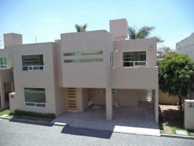 Casa en Renta en Renta Fracc. Cerrado Zona Momoxpan entre Recta y Forjadores