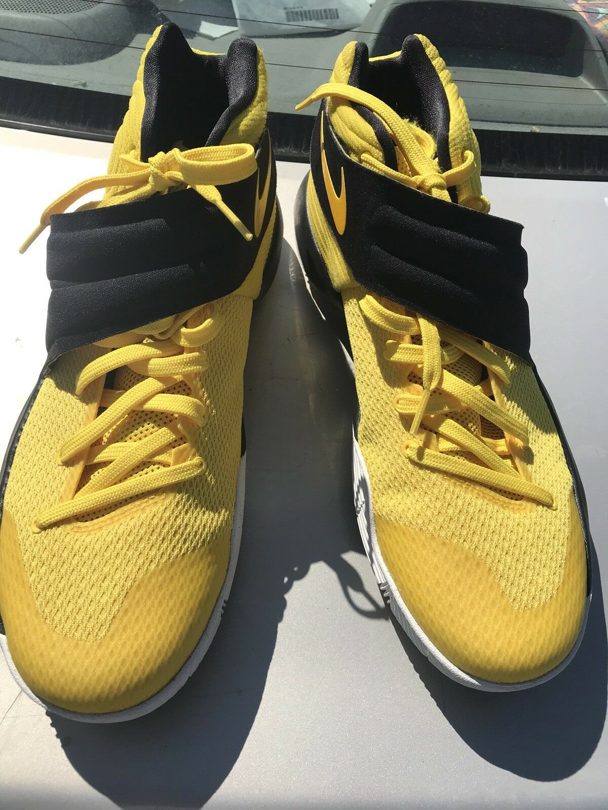 Basketball shoes size 11.5 mens