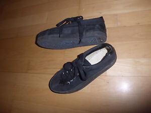 4e7b83cc40fbe2 Das Bild wird geladen Vintage-Turnschuhe-Schuhe-Plateauschuhe-schwarz-Gr-39- alt-