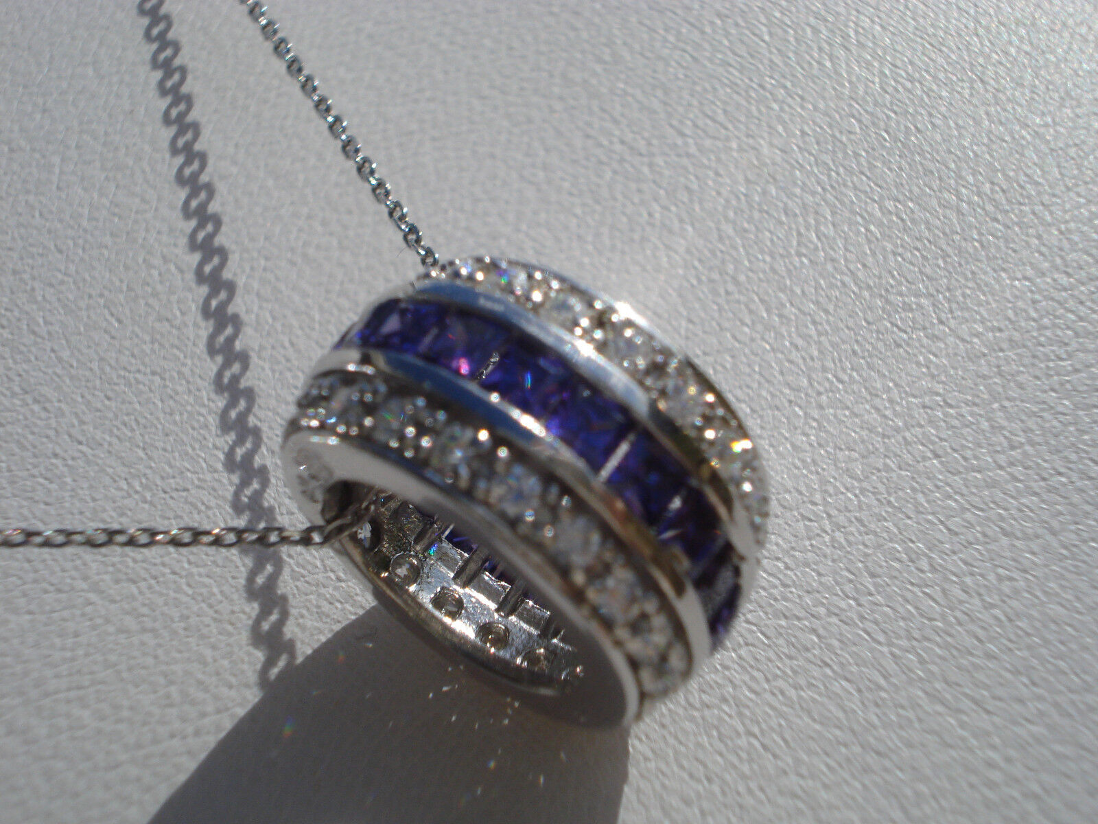 BEAU PENDENTIF PERLE EN argento argento argento OXYDES biancaS ET violaS CHAINE argento 3ce5f7