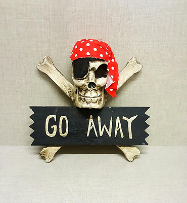 Pirate KEEP OUT Wood Carved Skull /& Bones Boys Girls Bedroom Skeleton Door Sign