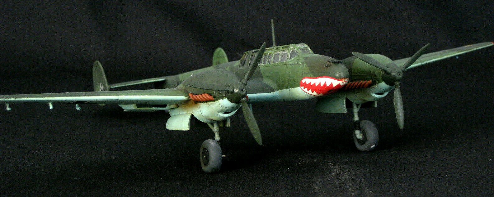 1 72 MESSESRCHMITT Bf110C BATTLE oF BRITAIN   PRO FULL BUILD & PAINT SCALE MODEL  confortable
