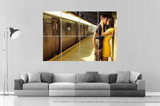 COUPLE ROMANTIC KISSING STATION METRO Art Poster Great format A0 Wide Print