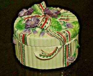 """Fitz and Floyd Beautifully Decorated Vintage Trinket Box 2 1/2""""x 3 1/2"""" Oval"""