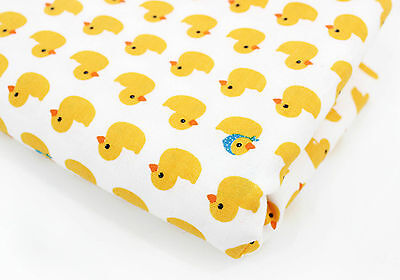 Baby ducks 100% Cotton Fabric Yellow duck Quilting Fabric off cuts (ffF219)>