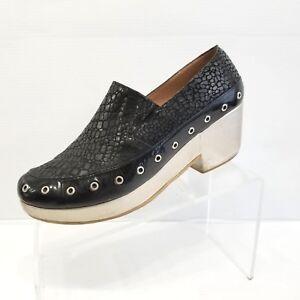 5de9acff7e9 Bon Bonite Womens Platform Loafers Gold Black Leather Grommets Funky ...