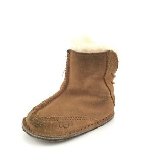 5acfcd45c28 Details about UGG AUSTRALIA Baby Boo 5206 SMALL 6-12 Months Chestnut  Sheepskin Booties Size S*