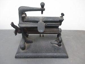 Antique Cast Iron Collar Crimper Pleater Fluting Laundry Table Press Steampunk