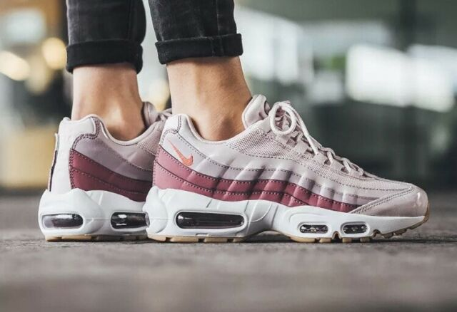 Women's Nike Air Max 95 Shoes Barely Rose Hot Punch 307960-603 Size 8