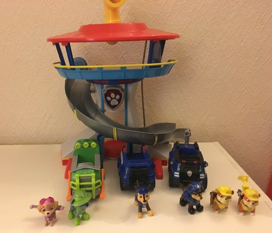 Paw Patrol - Look Out Tower (Fully Working) Working) & Figures