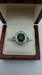 Art-Deco-style-Emerald-Green-amp-Diamante-Cocktail-Ring-Size-N-and-a-half