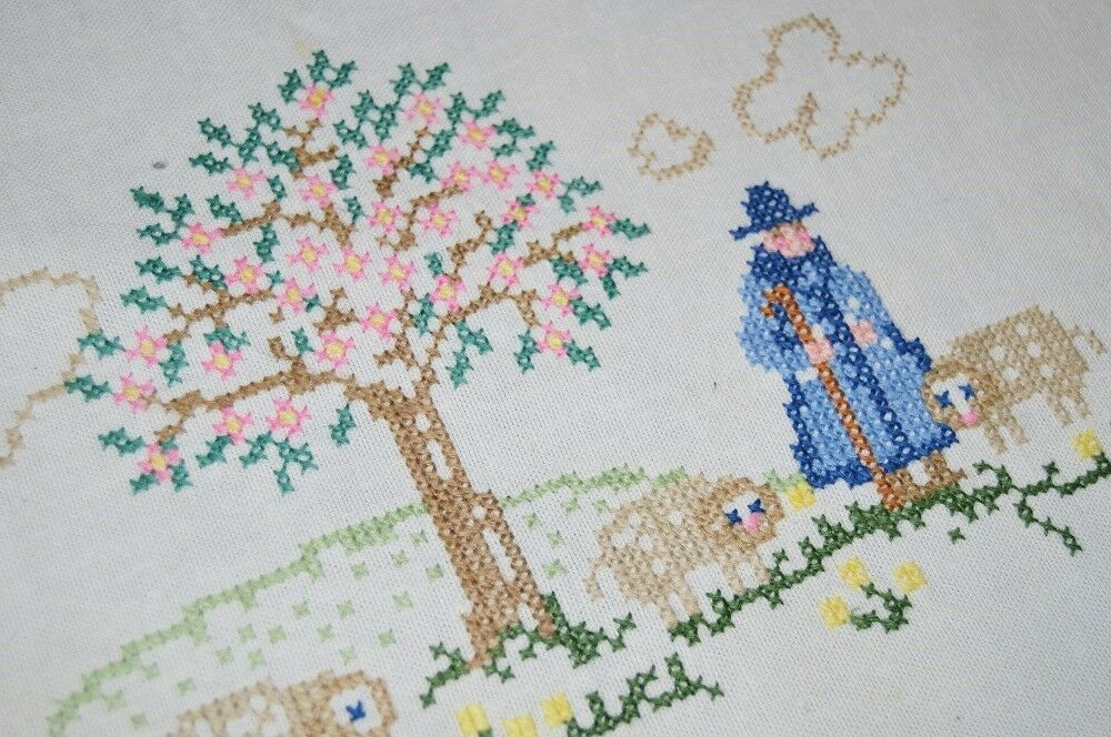 EASTER  THE LORD IS MY SHEPHERD  VTG GERMAN HAND EMB TABLECLOTH + RUNNER + 1
