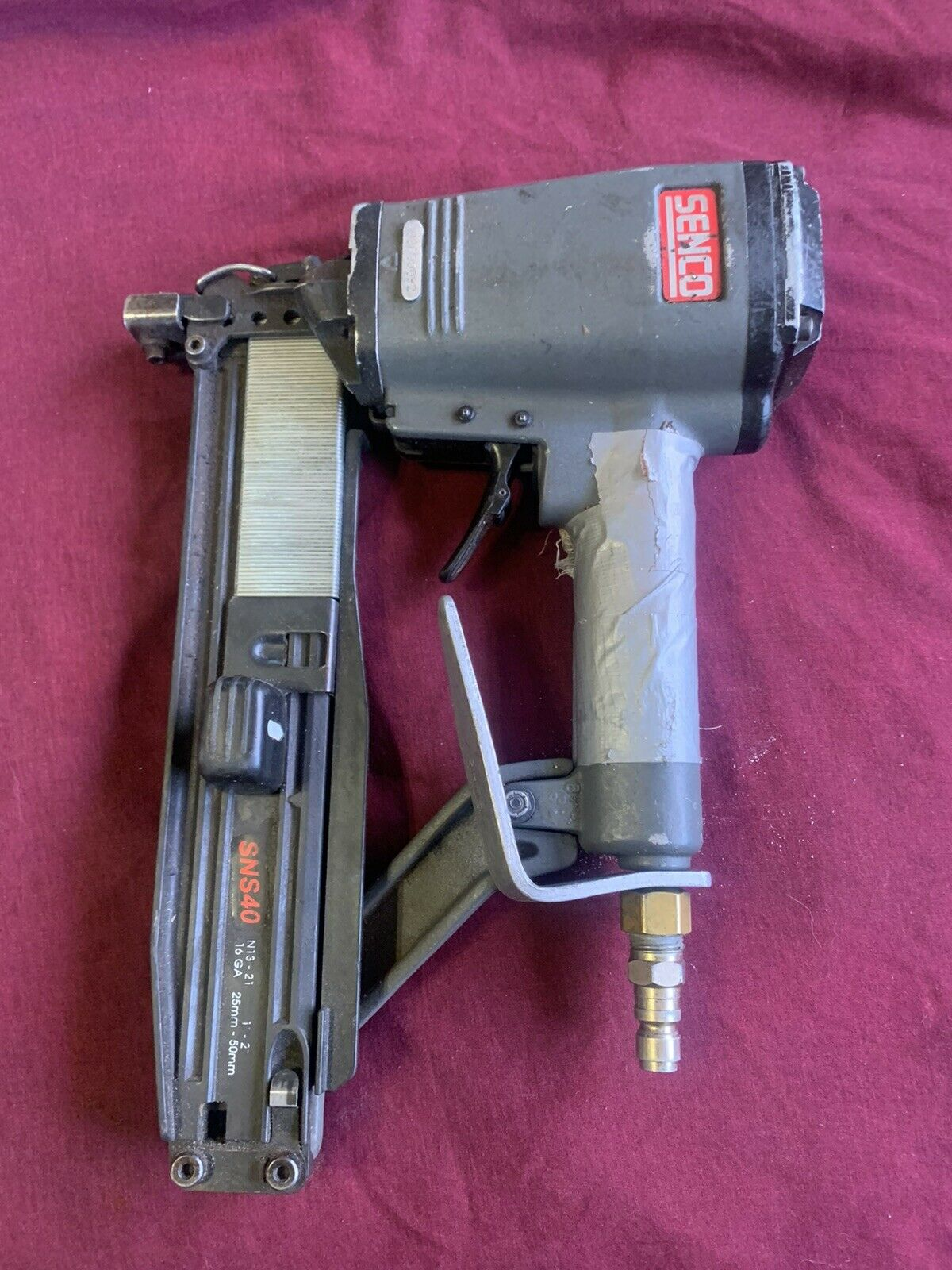 Senco Staple Gun SNS40 16-Gauge 2'' Air 7/16'' Crown Heavy Wire Stapler Tested. Available Now for 125.00