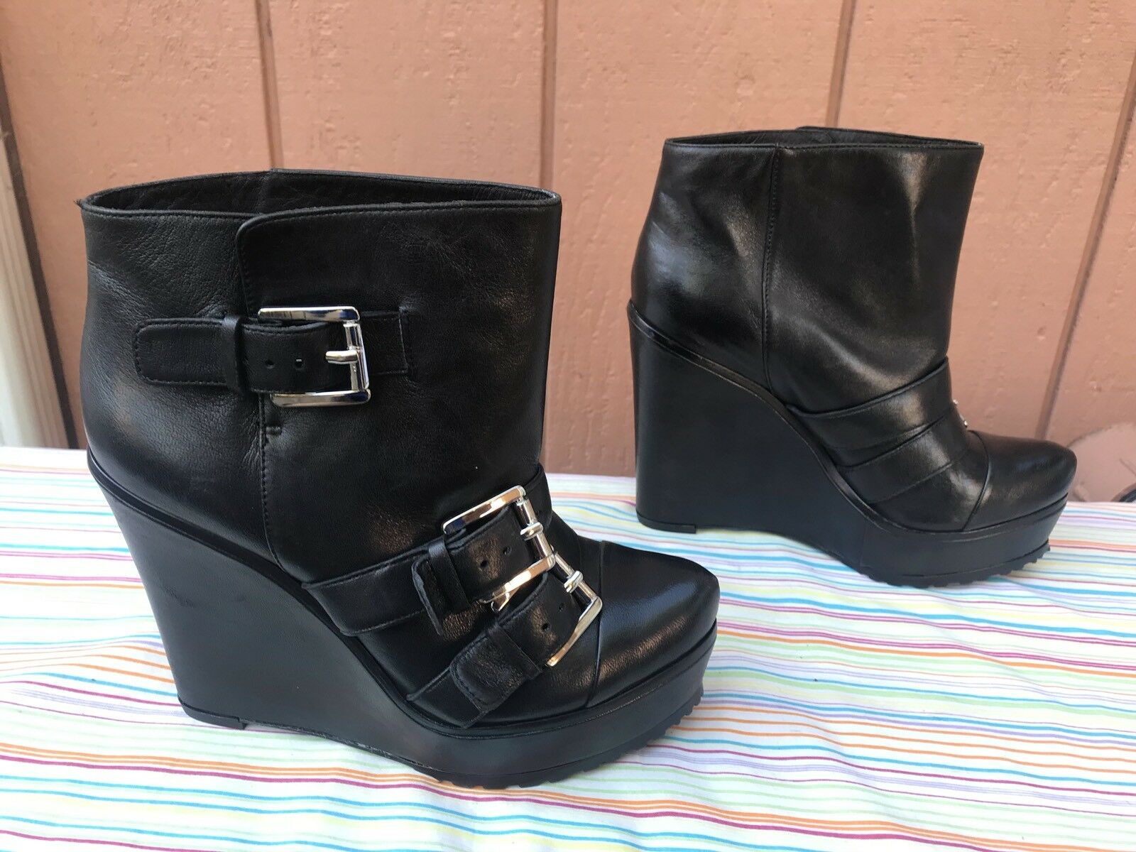 MINT Lisa for Donald J Pliner Black Leather Buckle Straps Straps Straps Wedge US 6M 737085