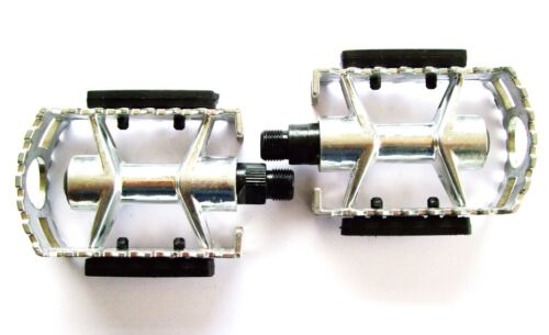 "9//16/"" AXLE  ALUMINIUM ALLOY MOUNTAIN BIKE TREKKING //MTB PEDALS WITH REFLECTORS"