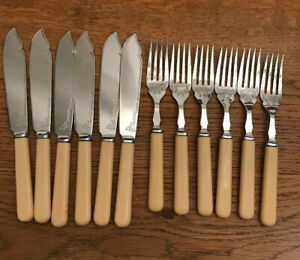 VINTAGE-ART-DECO-FAUX-BONE-HANDLE-BAKELITE-CHASED-FISH-KNIVES-AND-FORKS-X12