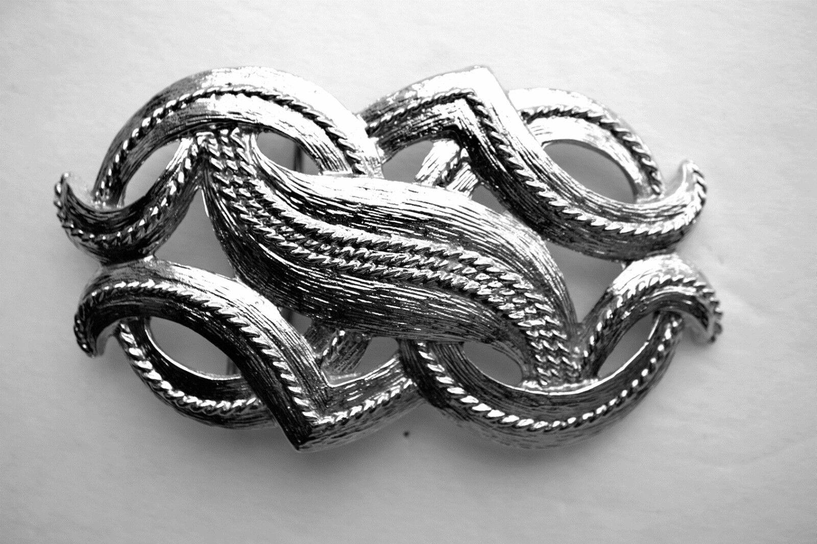 Dotty Smith Belt Buckle ~Textured Silver Tone ~ Intertwining Flourish Design