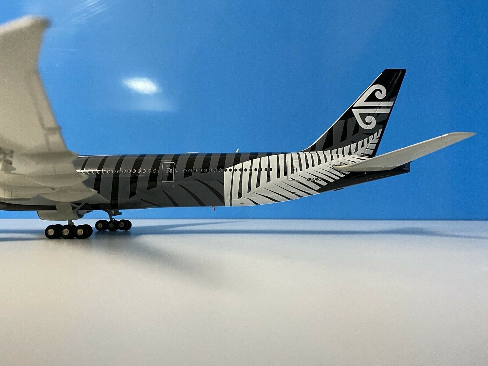 "Hogan Air New Zealand /""Black/"" A320 Diecast 1//200"