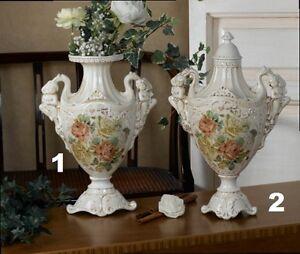 Vaso e poutiche in ceramica avorio decoro rose via veneto for Veneto arredo