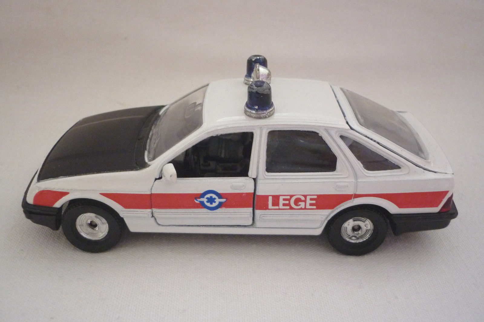 Corgi - Metal Model - Ford Sierra Sierra Sierra Placing Police 2.3 Ghia (4.DIV-51) 5a092b