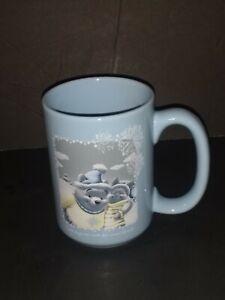 Disney-Store-Blue-Winnie-The-Pooh-amp-Piglet-Winter-Snowflakes-Coffee-Mug-Cup-2003