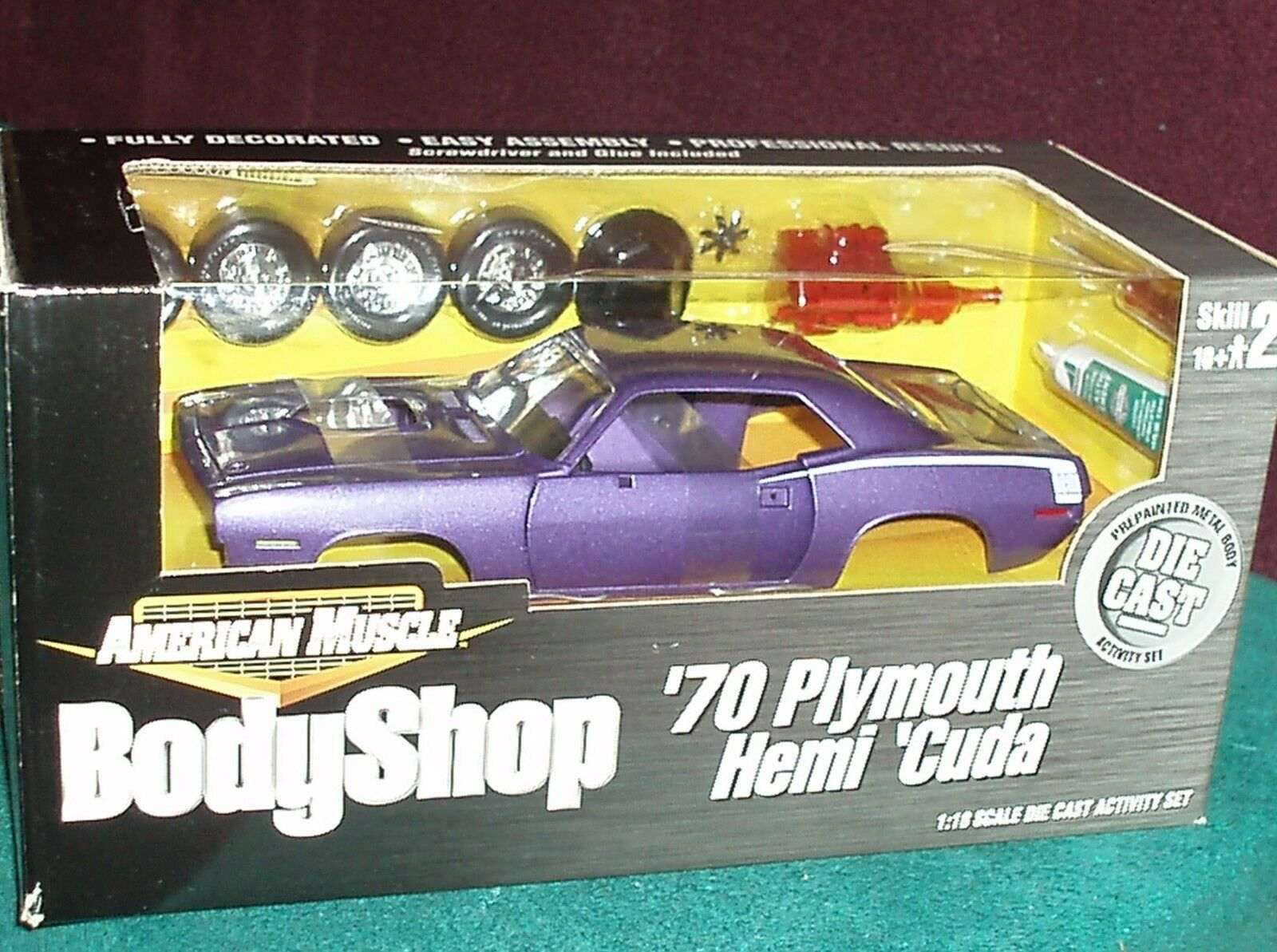 ERTL 1970 PLYMOUTH BARRACUDA HEMI CUDA MODEL KIT viola bianca 1 18