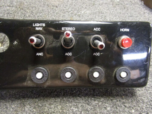 NEW BOAT MARINE LIGHTED SWITCH PANEL LOWE SWITCH PANEL