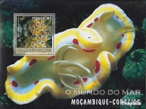 Mozambique Block175 Unmounted Mint Never Hinged 2002 World Of Marine Lustrous Stamps