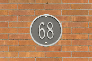 Round-6-034-Diameter-Personalized-Address-Plaque