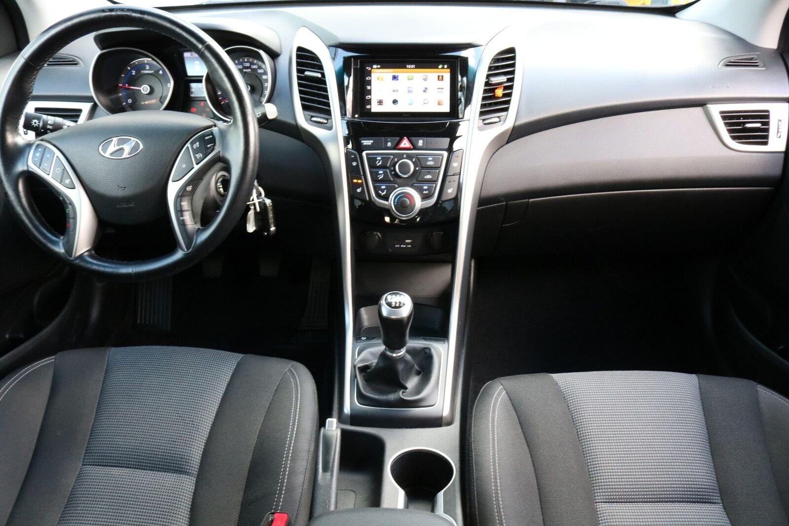 Hyundai i30 CRDi 110 Life+ CW Van