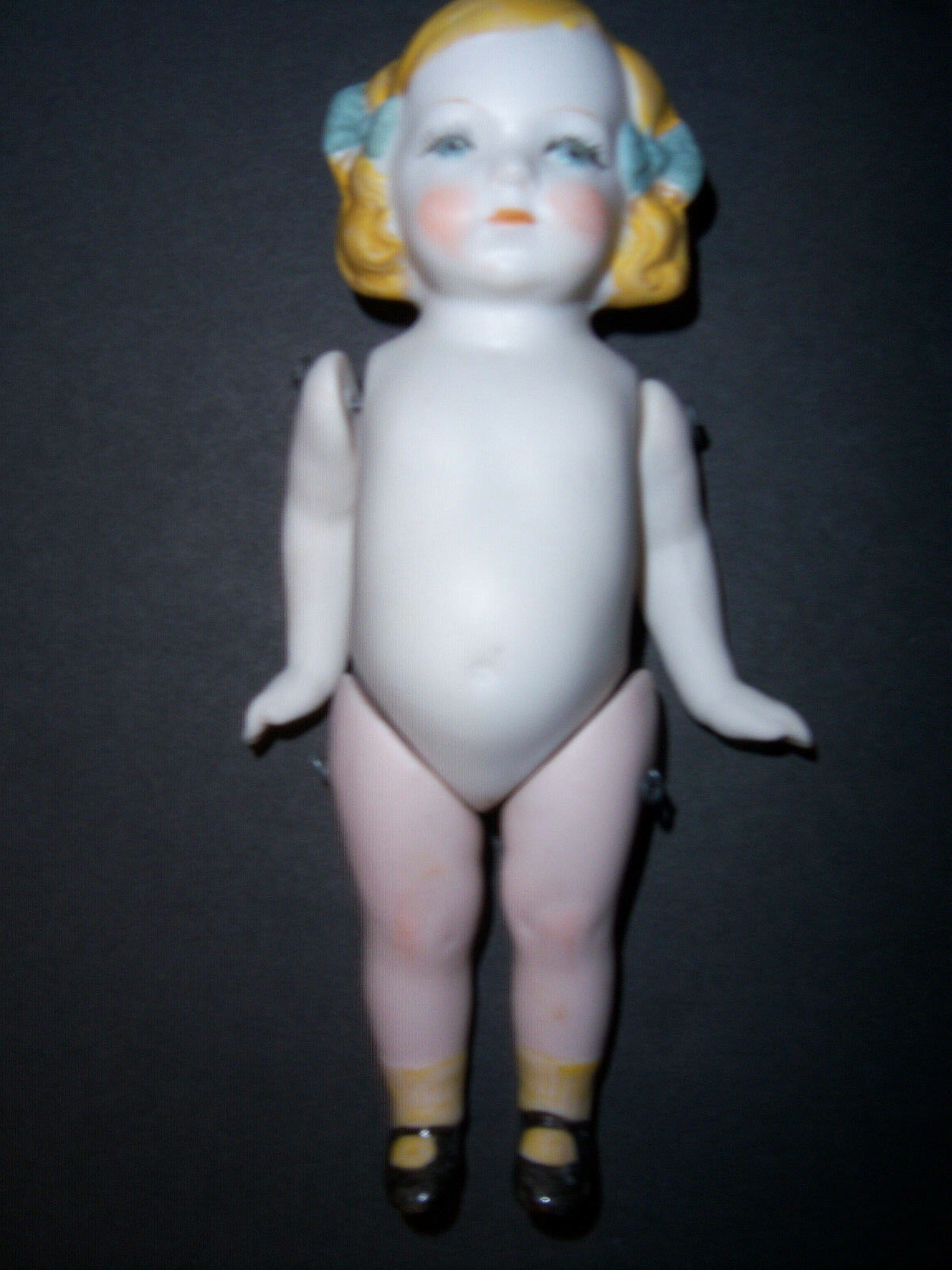 ..ANTIQUE HERTWIG & CO. GERMAN ALL BISQUE 6  DOLL
