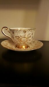 Royal-chelsea-Gold-Floral-Chintz-Tea-Cup-and-saucer