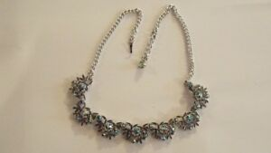 Lovely-Vintage-Silver-Look-Claw-Set-Cut-Glass-Stone-Necklace