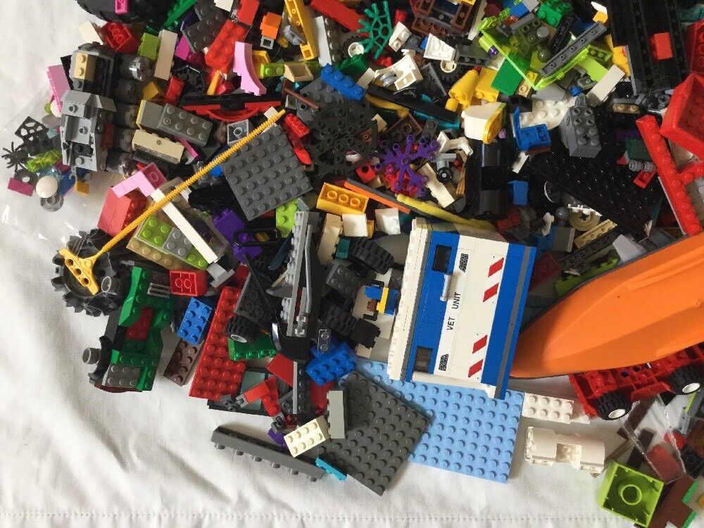 Huge Lot Lego Mixed Pieces From From From Many Sets 23lb Wheels Boats Cars 9ee321