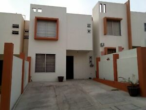 Casa en Venta en Colinas de California amplia y muy bonita Privada muy segura ambiente familiar