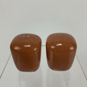 Franciscan-Tiempo-Apricot-or-Copper-Salt-and-Pepper-Shaker-Set