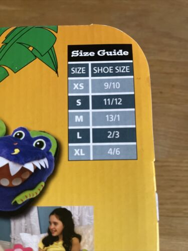 Brand New Kids Silly Slippeez Dizzy Dinosaure chaussons taille junior 4-6