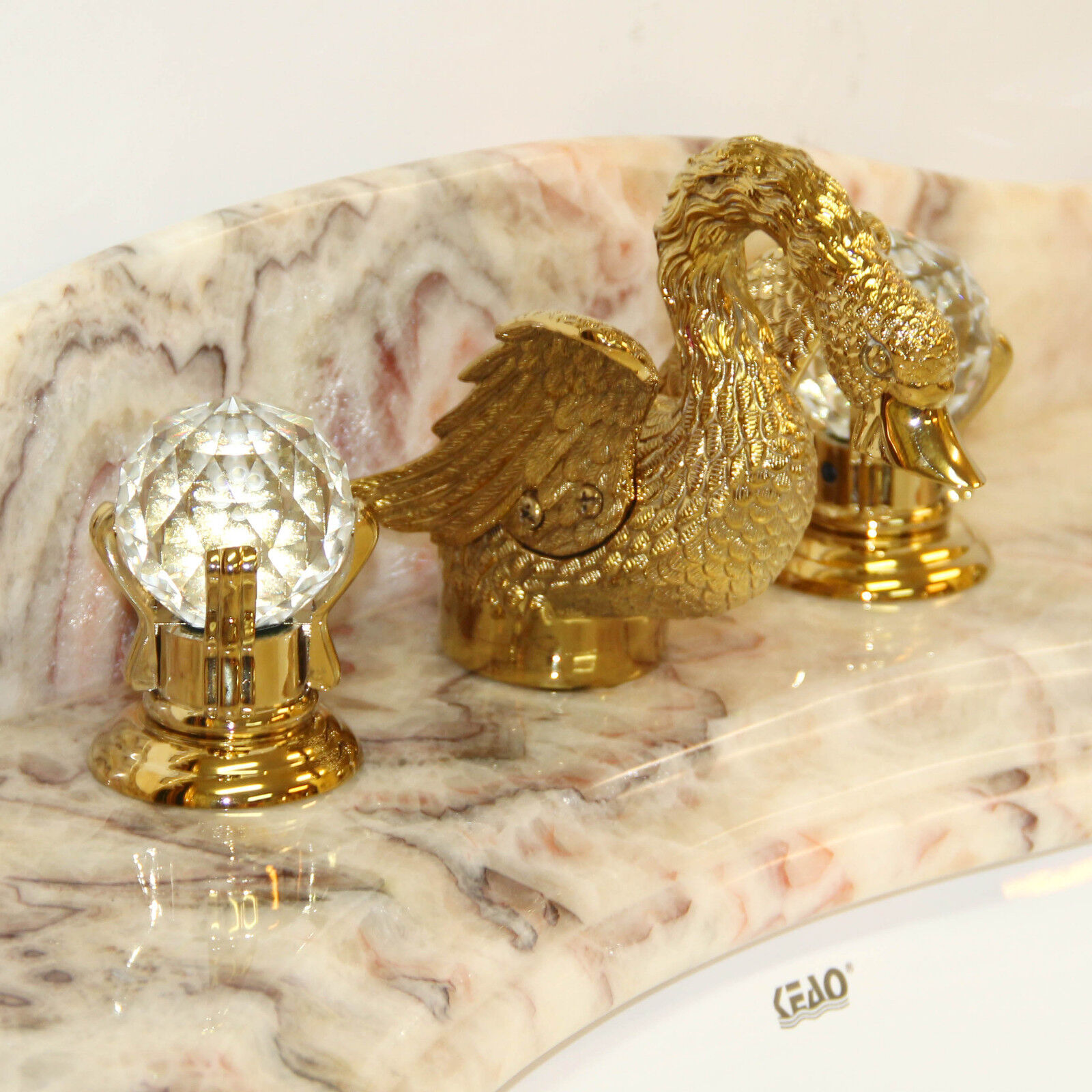 Exklusiver goldener Wasserhahn Badarmatur Gold Ente Kristallgriffe Mischbatterie