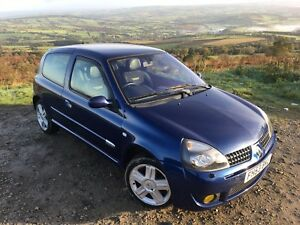 Renault-clio-sport-172-phase-2-hot-hatch-blue