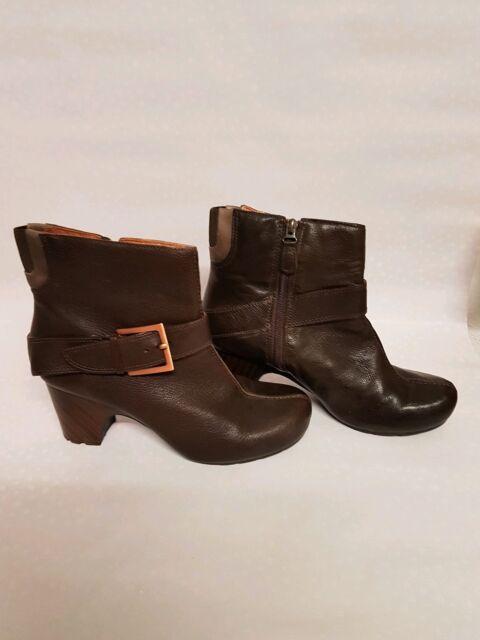 8af7b1455 Ladies Clarks BOOTS Size 8 for sale online