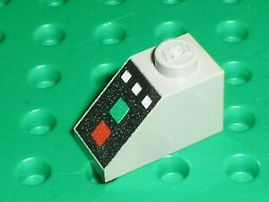 LEGO-OldGray-slope-brick-ref-3040p04-Set-5398-1256-2126-10020-1255