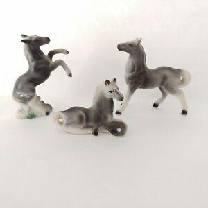 VTG-3-Grey-Gray-HORSE-FAMILY-Mare-Foal-Stallion-figurine-Bone-China-miniature