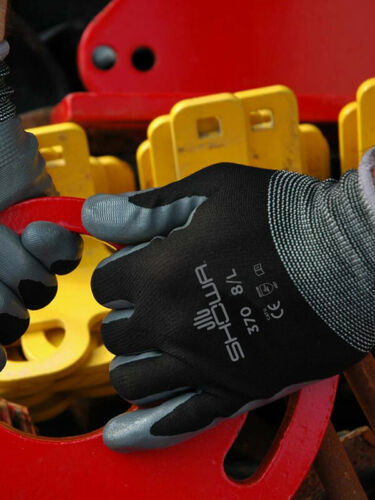 SHOWA 370 Assembly Precision Grip Gloves BLACK Nitrile Palm Coated
