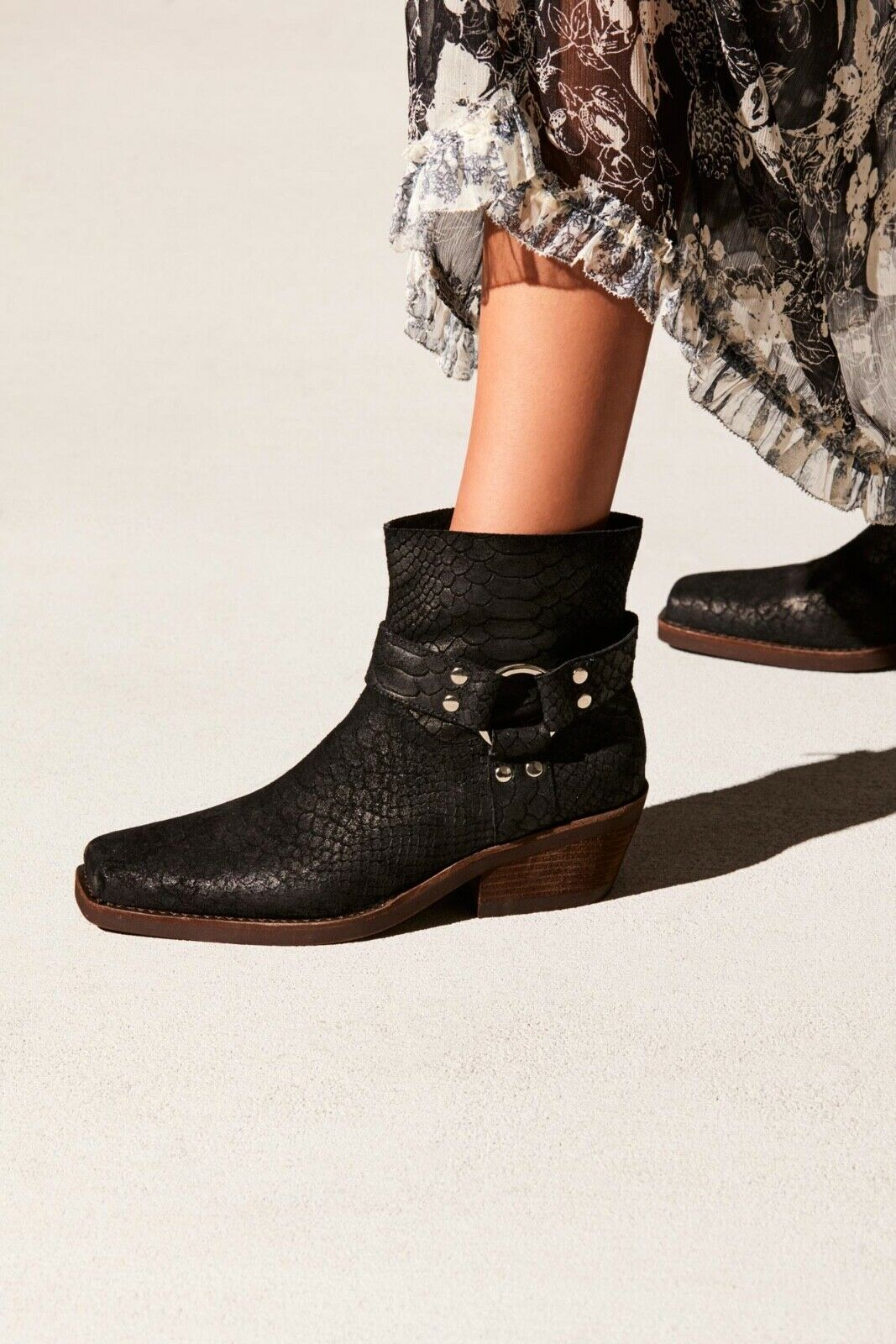 NEW Free People Fairfax Western Boot Size 6 MSRP   178 Distressed Suede