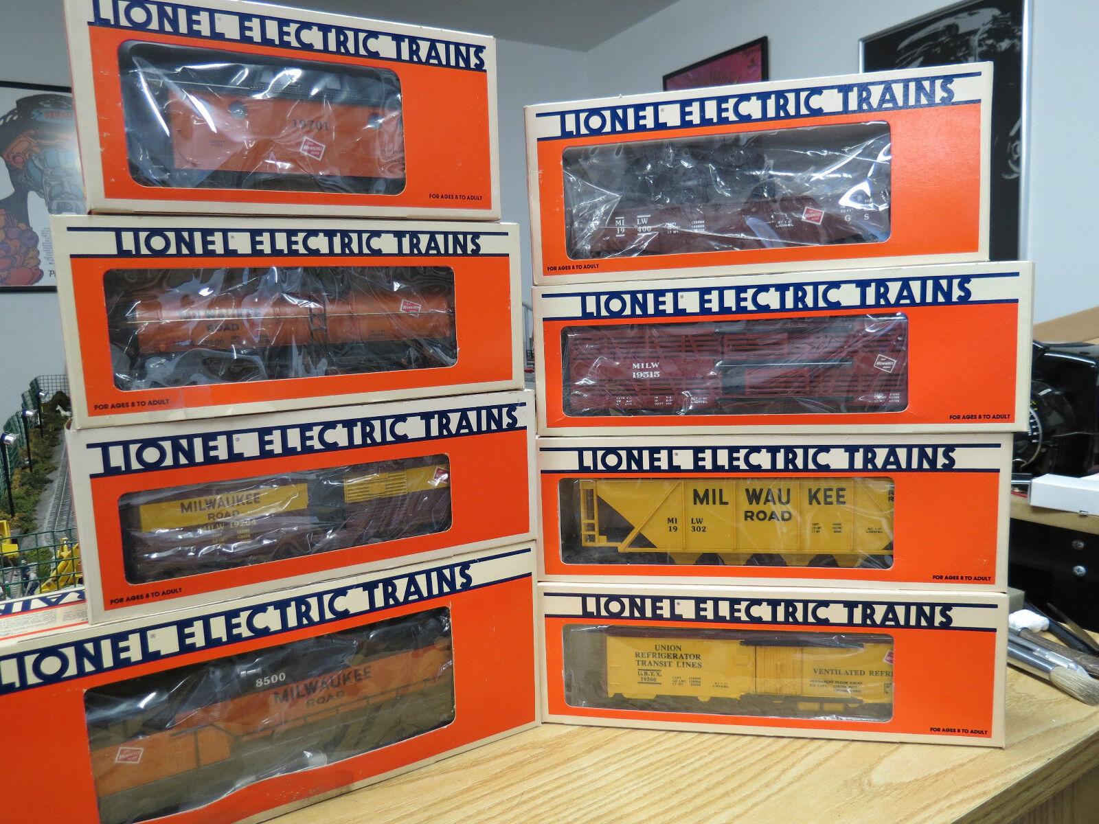 Lionel Milwaukee Road Road Road Fallen Flags   2 GP-9 Diesel Loco. & 7-Car Set , Nice C-8 2efc1e