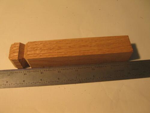"892 Oak Inside Base Corner 1-1//8/"" x 1-1//8/"" x 7/"" Unfinished Base Trim"