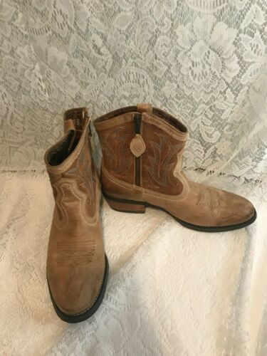 Ariat unbridled Leather Cowboy Round Ankle Boots 1