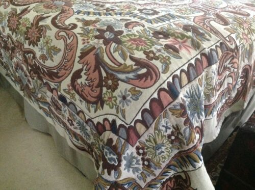 accessory pillow shams Multi-color French Tapestry King bed coverlet with 2