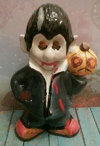 Halloween-Ceramic-Hand-Painted-Punkie-Dracula-Figurine