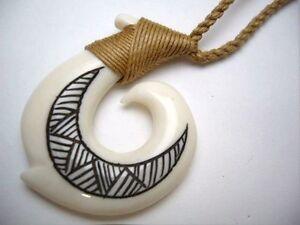 Hawaiian Hawaii Jewelry Fish Hook Bone Carved Pendant Necklace//Choker # 35337
